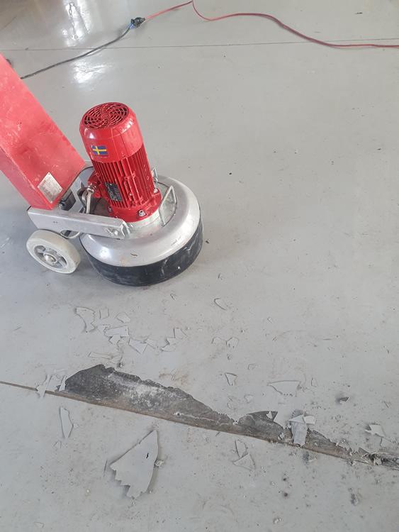 Obróbka posadzek z kamienia i betonowych